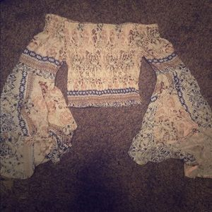 LF cropped shirt woth flowy sleeves